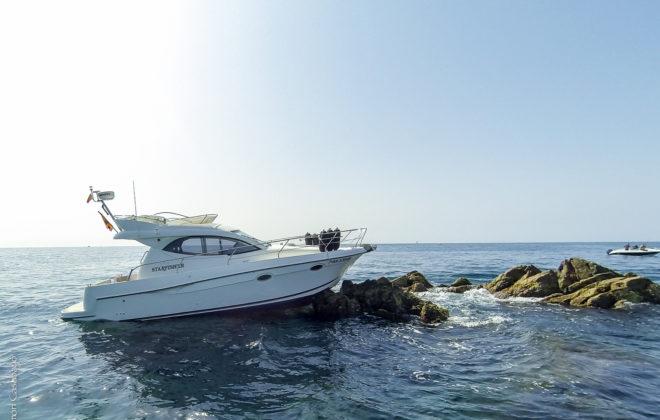 Recuperació embarcació d'esbarjo Illes Formigues