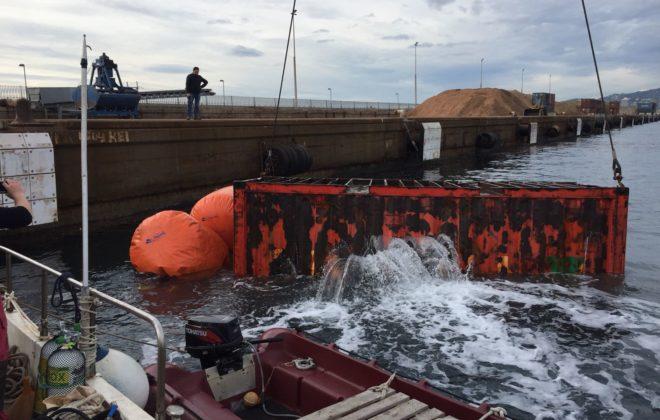 busqueda-y-extraccion-contenedores-en-el-puerto-de-palamos Dive Center Palamós